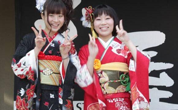 Национальный костюм и традиционный стиль в современной одежде: Россия и Япония